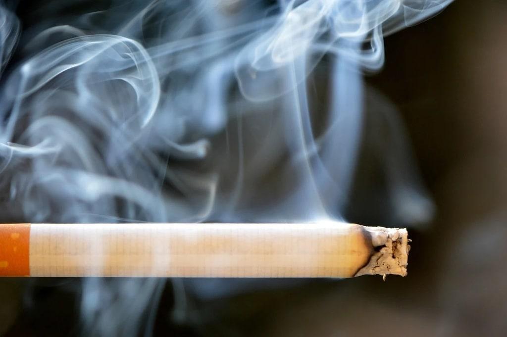 Vidéo de machine à tuber les cigarettes
